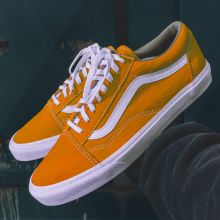 Vans Old Skool Shoes in Orange